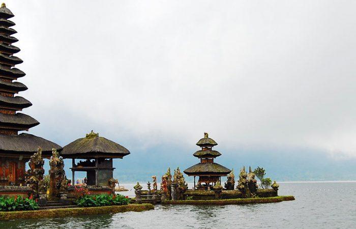 Indonesia Bali Ulun Danu Temple Banner